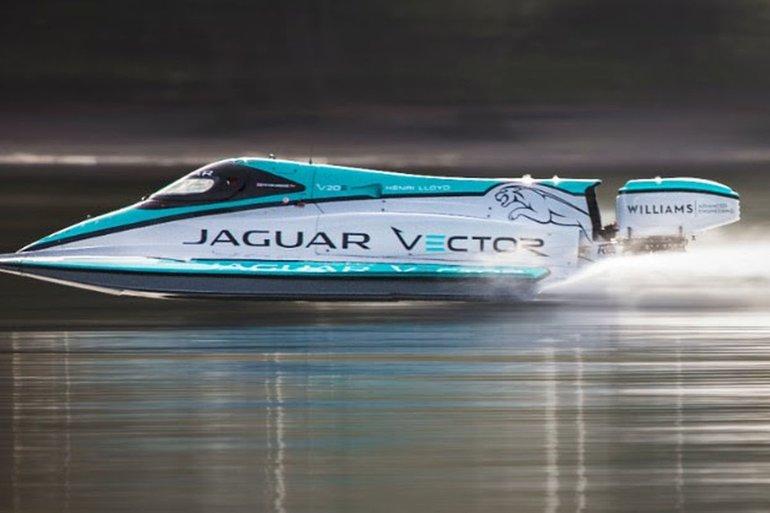 Un bateau Jaguar signe un nouveau record de vitesse