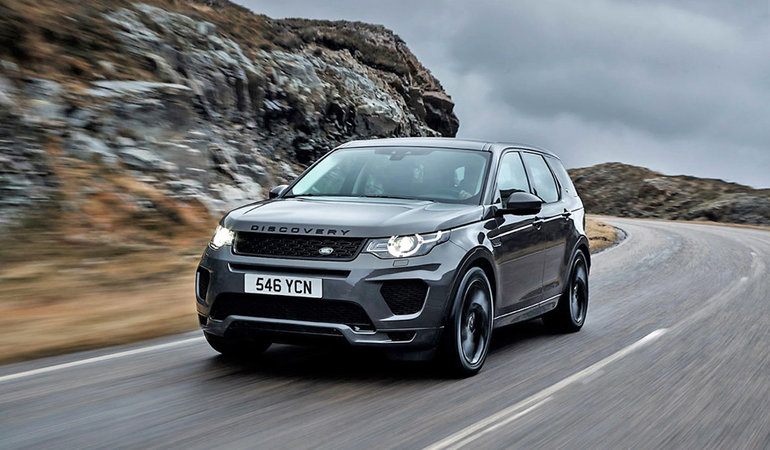 THE 2018 LAND ROVER DISCOVERY SPORT VS. THE COMPETITION