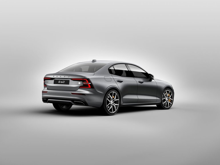 Safety and Performance Come First in the 2019 Volvo S60
