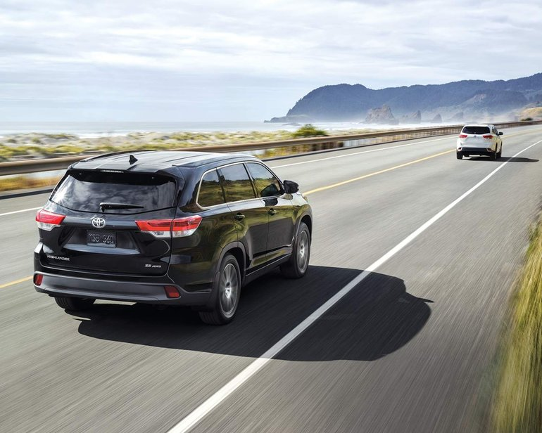 Toyota's Debut of 2017 Highlander Mid-Size SUV to Showcase Significant Performance Updates