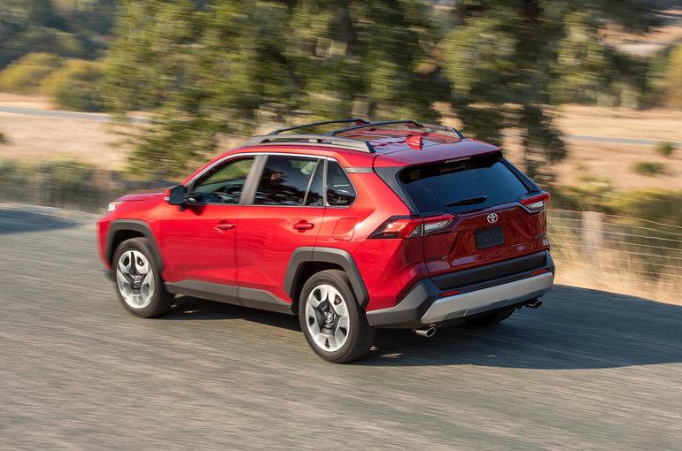 Toyota RAV4 2019 vs Honda CR-V 2019: Two Worthy Options