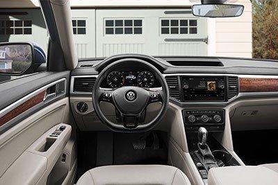 Volkswagen Atlas 2018 versus Honda Pilot vs Nissan Pathfinder : une question de conduite