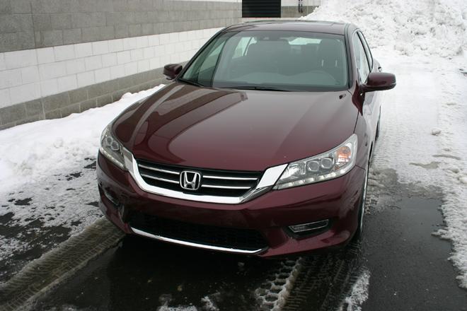 Honda Accord 2.4 2013 versus Subaru Legacy 2.5 2013