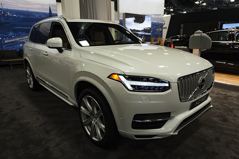 Does Volvo Have a Hybrid Model? See the XC90!