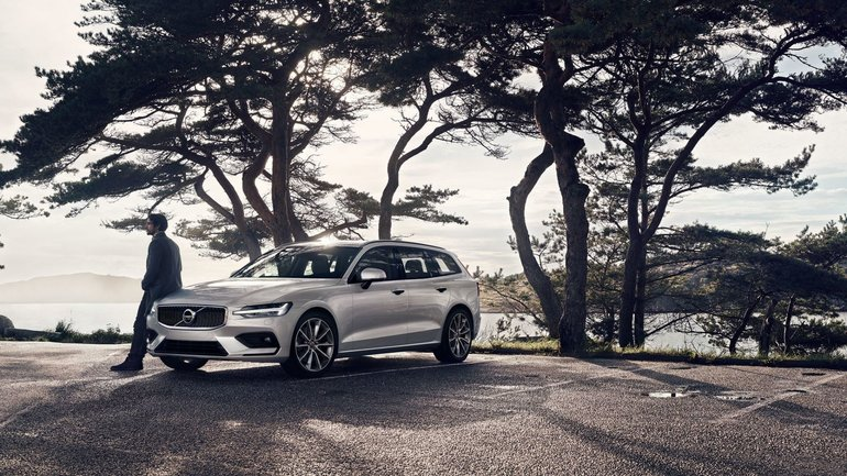 The 2019 Volvo V60: The Station Wagon That Doesn't Compromise
