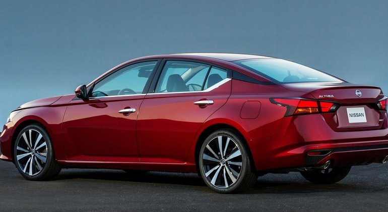 Nissan Unveils New 2019 Altima at New York Auto Show