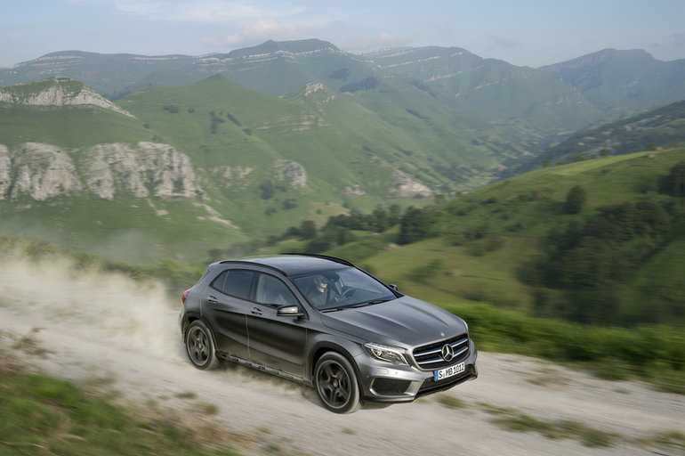 Get Behind the Wheel of the 2018 Mercedes-Benz GLA in Ottawa, Ontario