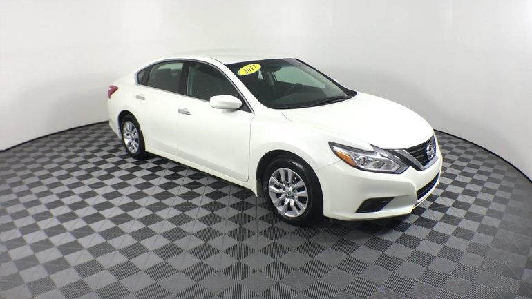 Nissan Altima $69 WKLY | Fog lamps, Bluetooth | 2.5S 2017