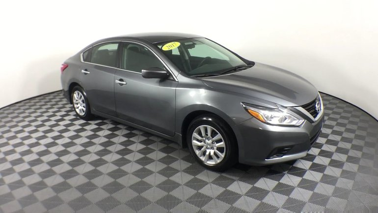 2017 Nissan Altima $77 WKLY | Fog lamps, Bluetooth | 2.5S