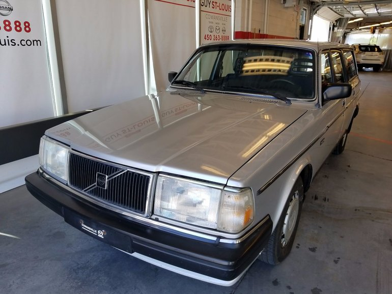 Cowansville Mazda Pre Owned 1986 Volvo 240 240 Dl Un Seul