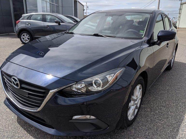 2015  Mazda3 GS, CAMÉRA DE RECUL, BANCS CHAUFFANTS