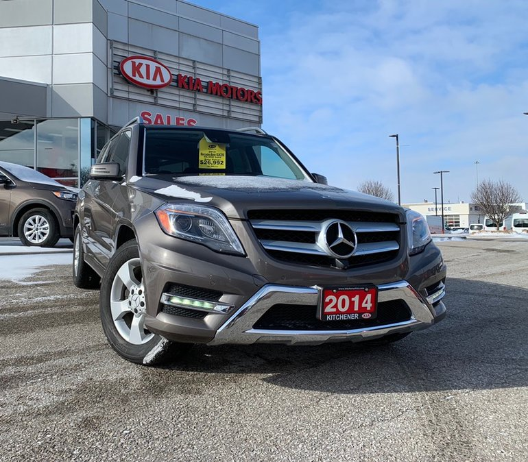 2014 Mercedes-Benz GLK250 ONE OWNER TRADE IN 2 SETS OF RIMS AND TIRES