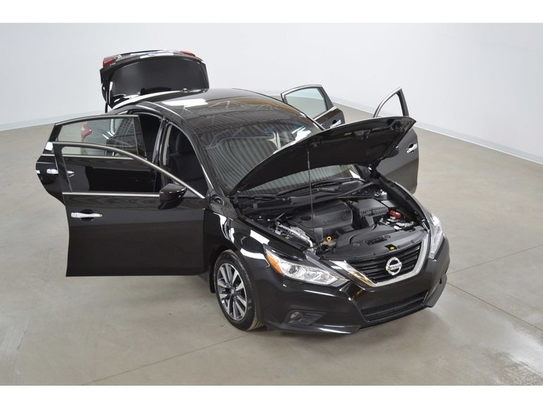2017 Nissan Altima 2.5 SV Toit*Mags*Camera Recul*Sieges Chauffants*