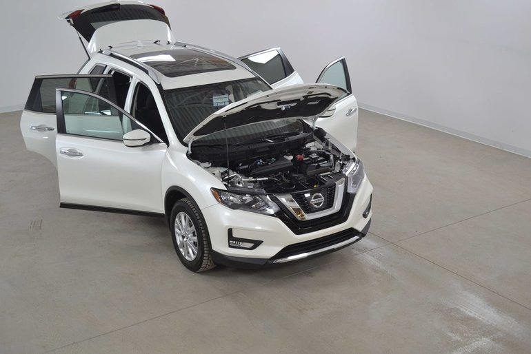 2017 Nissan Rogue SV 4WD Toit Pano*Camera Recul*Sieges Chauffants
