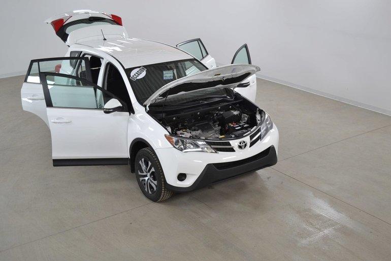 Toyota RAV4 LE 2WD Bluetooth*Sieges Chauffants*PEA 140 000 Km 2015