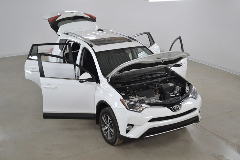 2016 Toyota RAV4 XLE 2WD Mags*Toit*Sieges Chauffants*Camera Recul*
