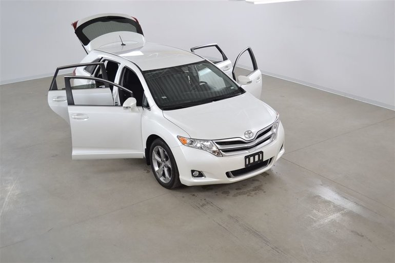 Toyota Venza V6 4WD Bluetooth*Camera Recul*Mags 20 Pouces 2016