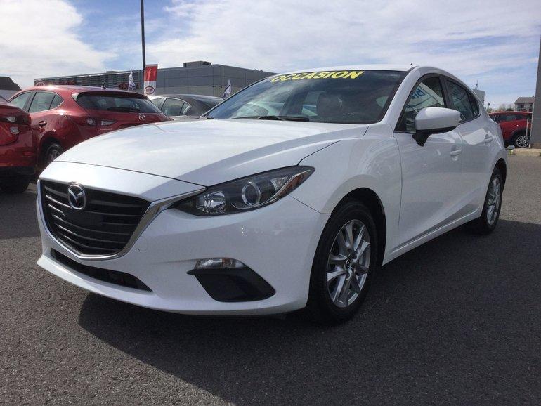 Mazda Mazda3 **RÉSERVÉ**,GS, BAS KILOMÉTRAGE, SIÈGES CHAUFFANTS 2015