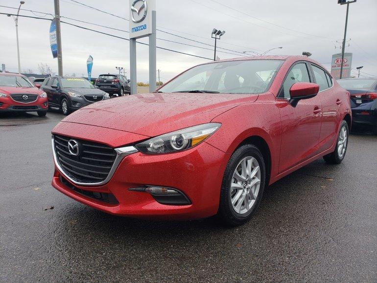 2018  Mazda3 TOIT OUVRANT//DÉTECTION D'ANGLE MORT