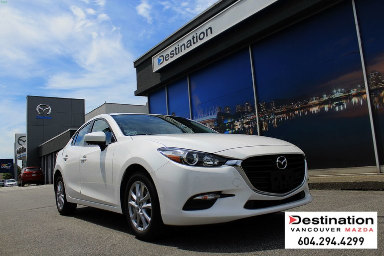 2017  Mazda3 SE - Local, Non Smoker and Only 18K kms!