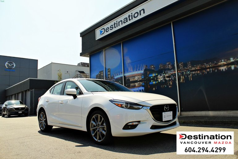 2018  Mazda3 GT - Fully loaded! leather, nav and sunroof!