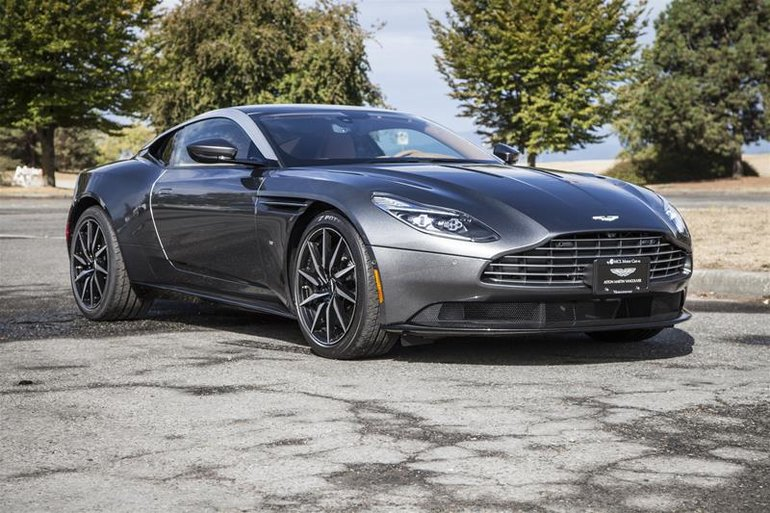 2017 Aston Martin DB11 Coupe (2)