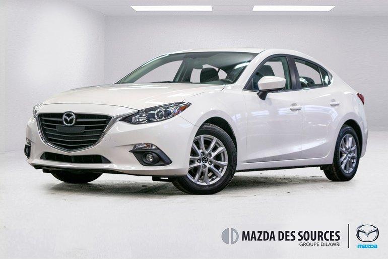 2015 Mazda Mazda3 GS Toit Ouvrant Sieges Chauffants RearViewCamera