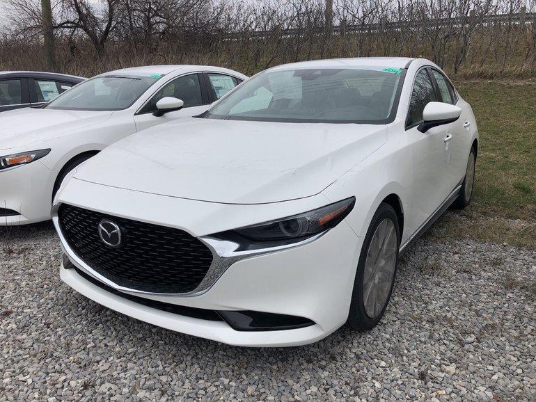 Mazda3 GT at AWD 2019