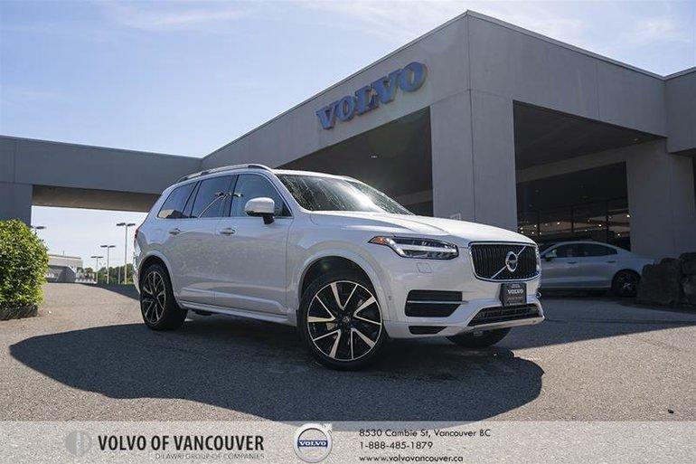2018 Volvo XC90 T8 eAWD Momentum