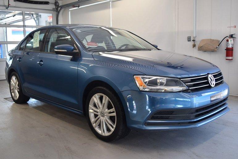 Volkswagen Jetta Trendline+*.0.9% 2015