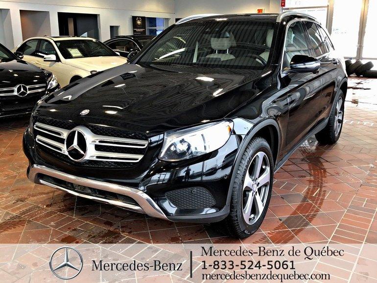 2017 Mercedes-Benz GLC-Class GLC300 4MATIC, toit pano, navi, caméra, Par