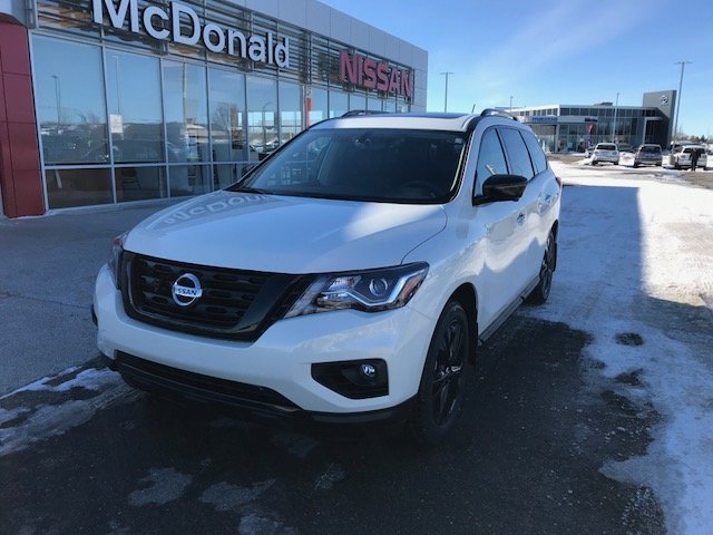 2018 Nissan Pathfinder Midnight Edition DEMO