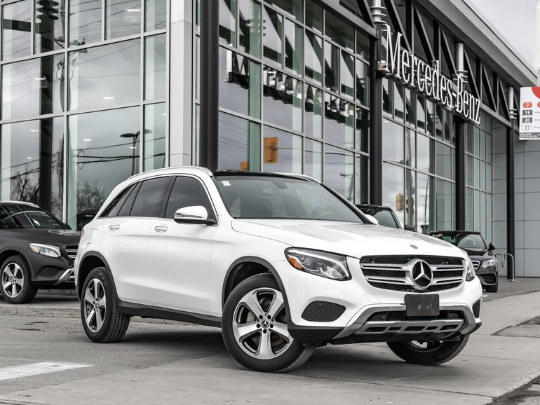 2018 Mercedes-Benz GLC300 Backup camera, Bluetooth connectivity, Premium one package