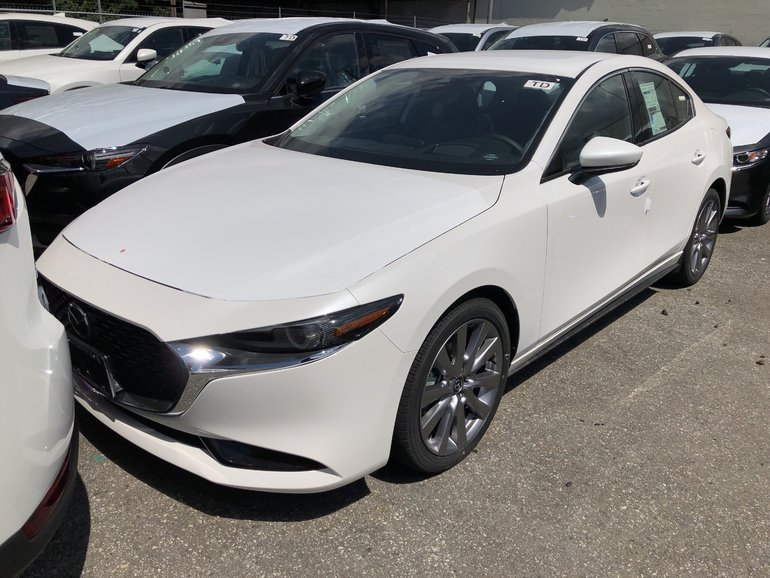 2019  Mazda3 GT Automatic, Roof, Leather, Bose, Wheel package