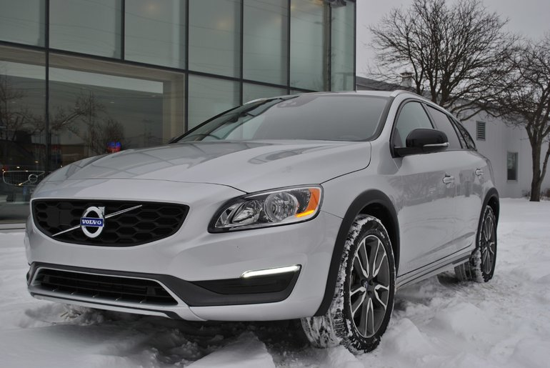 2016 Volvo V60 Cross Country ***SOLD***