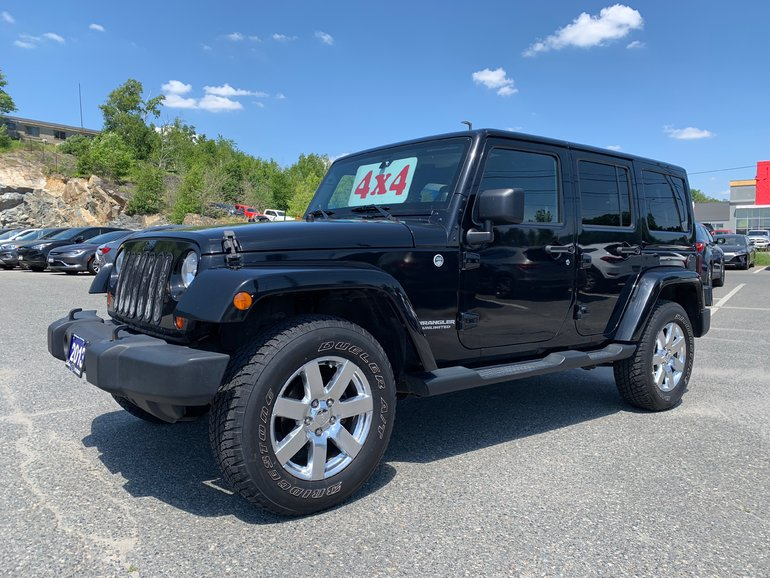 2013 Jeep Wrangler Unlimited SAHARA - HEATED LEATHER! COLOUR-MATCHED HARDTOP!