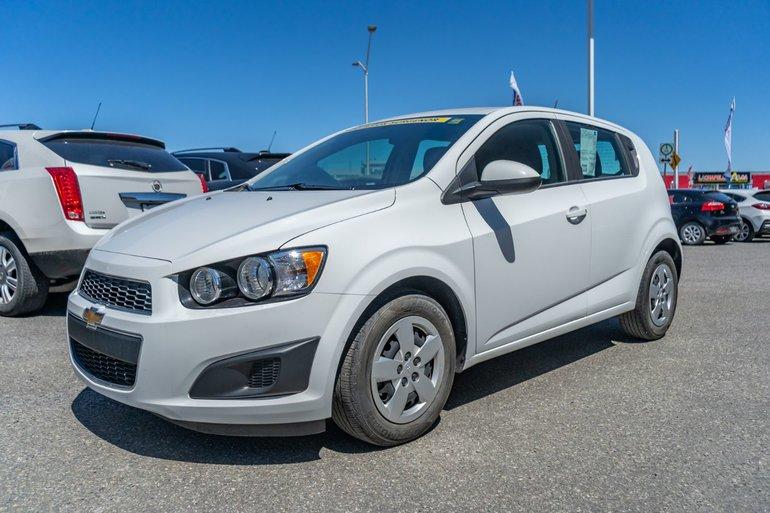 Chevrolet Sonic LS 2015