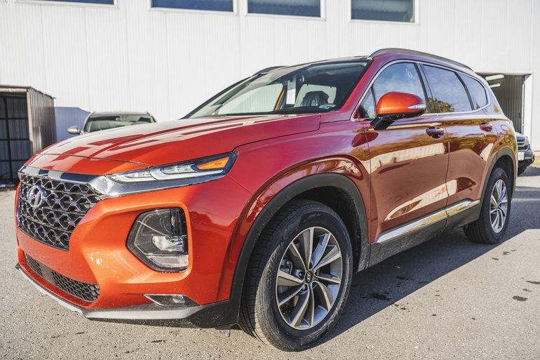2019 Hyundai Santa Fe LUXURY w/ Dark Chrome Exterior Accents