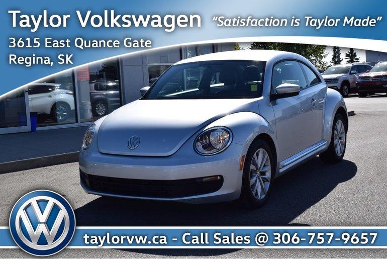 2012 Volkswagen Beetle Premiere 2.5L 6sp at w/ Tip