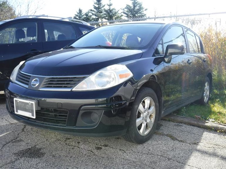 2007 Nissan Versa Hatchback 1.8 S at