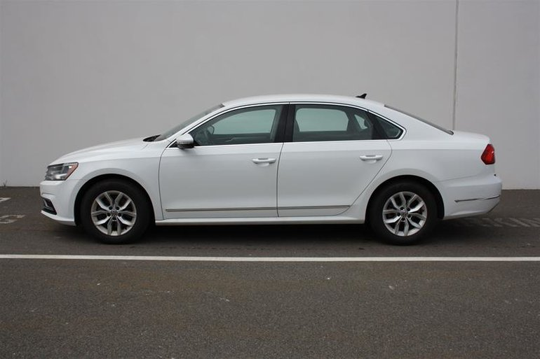 Volkswagen Passat Trendline plus 1.8T 6sp at w/ Tip 2016
