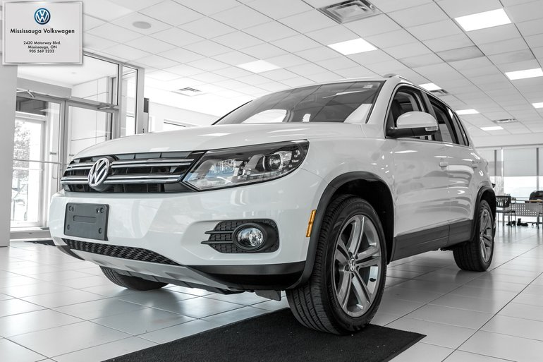 2017 Volkswagen Tiguan Highline/LEATHER/ ROOF/ LOW KMS