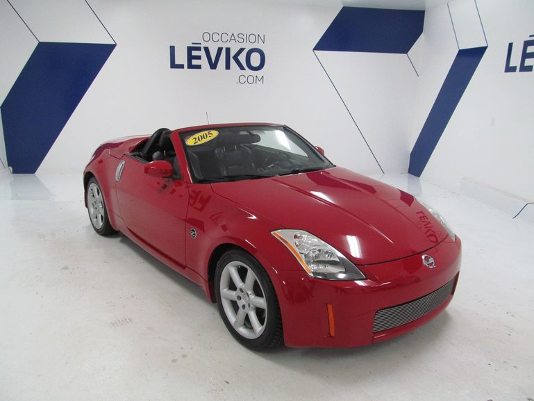 leviko hyundai nissan 350z 350z d capotable pneus. Black Bedroom Furniture Sets. Home Design Ideas