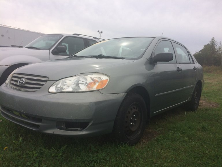 Toyota Corolla CE BASE 2004