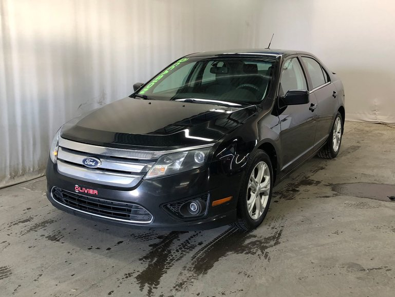 Ford Fusion SE; toit ouvrant; sync; 2012