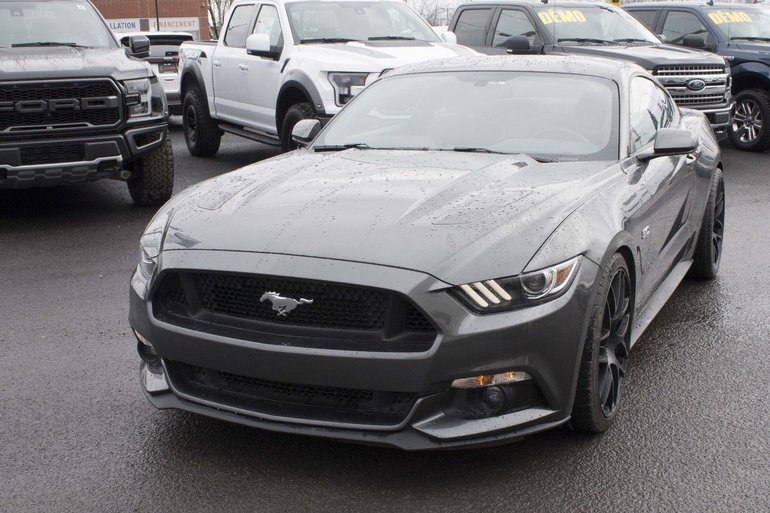 Ford Mustang GT; Automatique; V8 2016