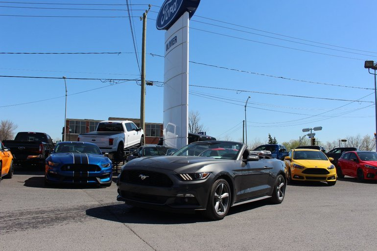 2017 Ford Mustang V6; commandes vocales; sync; camera de recul