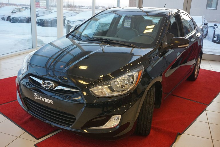 2014 Hyundai Accent GLS--TOIT OUVRANT-MAG-BLUETOOTH