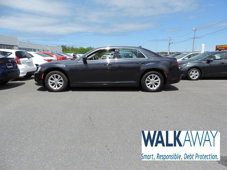 2018 Chrysler 300 $225 B/W TAX INC.