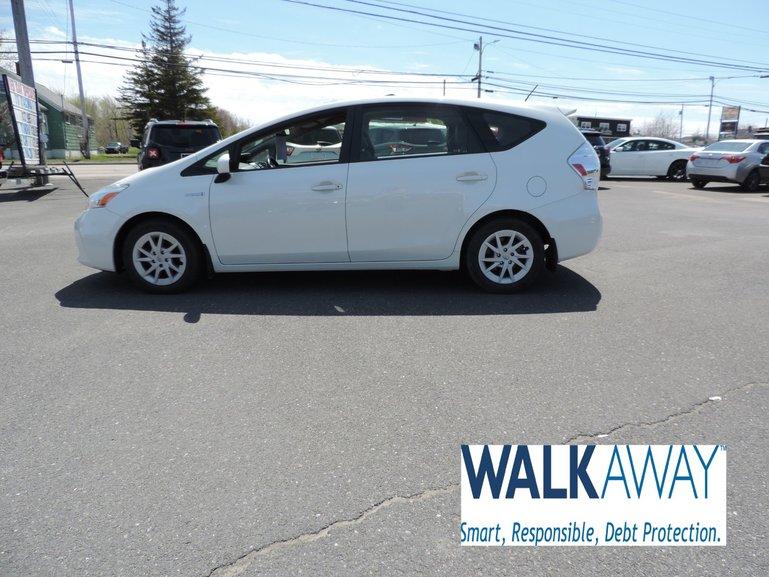 2014 Toyota Prius v $151 B/W TAX INC.